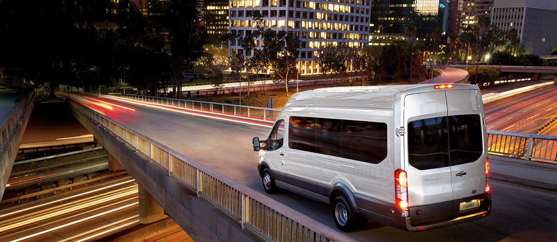 Nueva Transit Minibus. Tecnología, confort y seguridad.